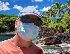 Maui visitor with mask on
